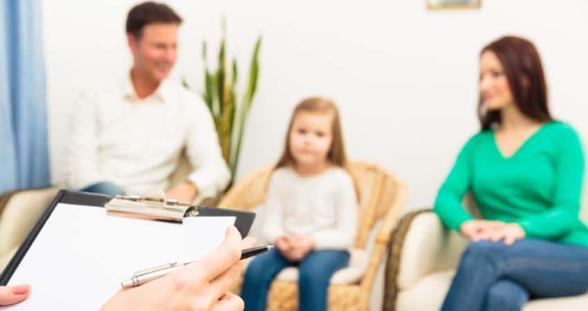 La medicación combinada con terapia conductual funciona mejor para los niños con TDAH